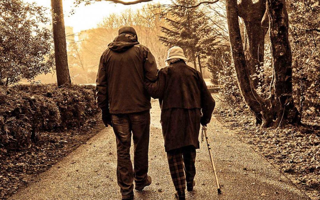 Você sabe como manter os nossos idosos seguros no mundo da era digital?