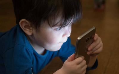 Como garantir a segurança do seu filho no mundo virtual?